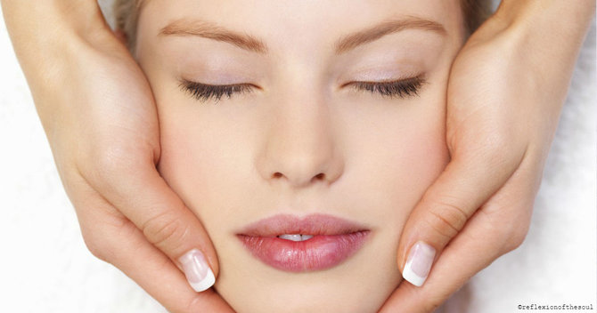 How To Sculpt Amazing Cheekbones With A Facial Massage