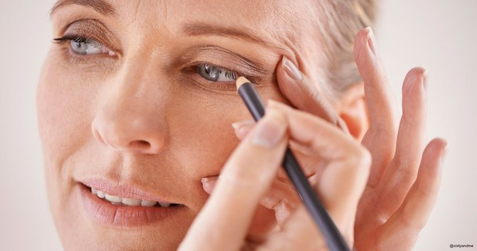 6 Incredible Mother's Day Makeup Tips For Mature Skin