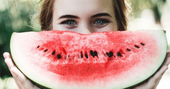 this-summer-fruit-is-about-to-become-your-new-skin-essential