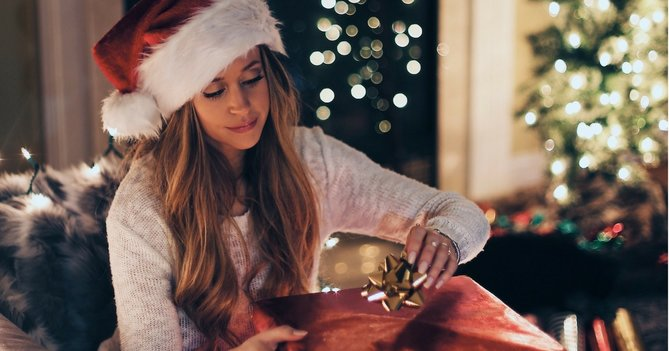 9 Beauty Essentials You NEED On Your Christmas List