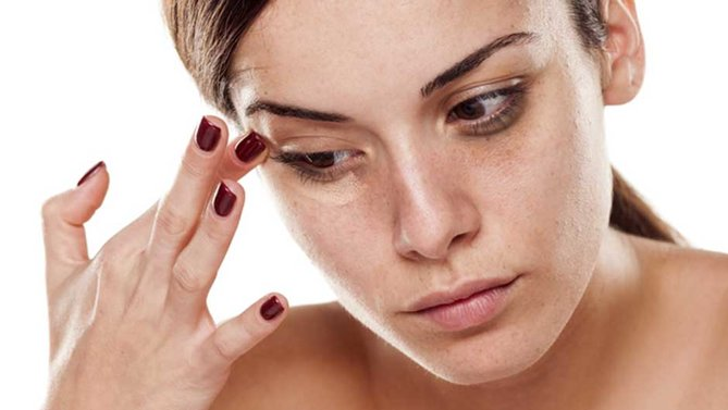 7-ways-to-reduce-the-appearance-of-puffy-eyes