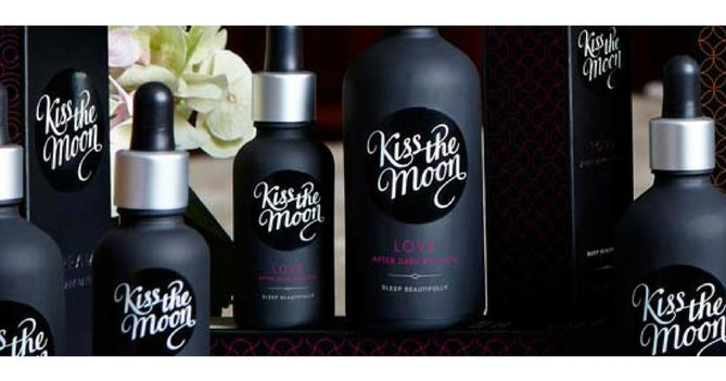 WIN 2 Hampers From Kiss The Moon Worth £180 Each!