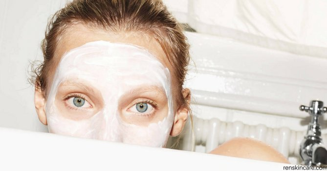 8 Ways To Keep Your Skin Hydrated From Head To Toe