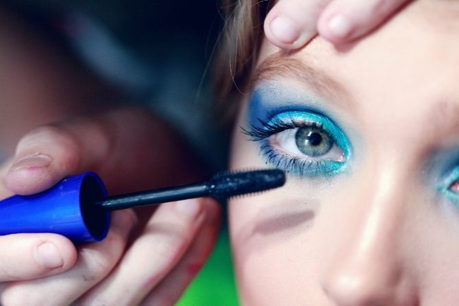 Top Tips For Rocking Colourful Mascara