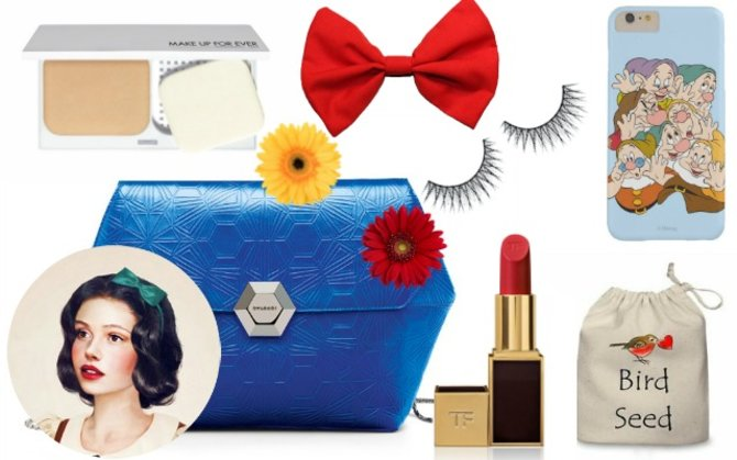 What's in Snow White's bag