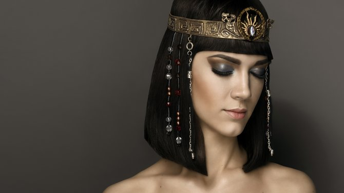 A Modern Take On Cleopatra's Beauty Routine